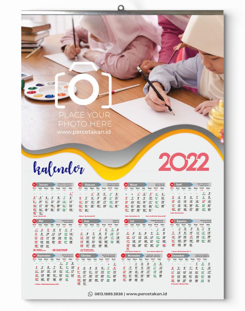 Kalender dinding 2022 isi 12 bulan